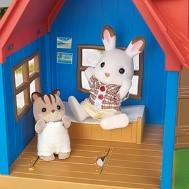 Rainbow week, Day 7: Sylvanian Families Review & Giveaway!