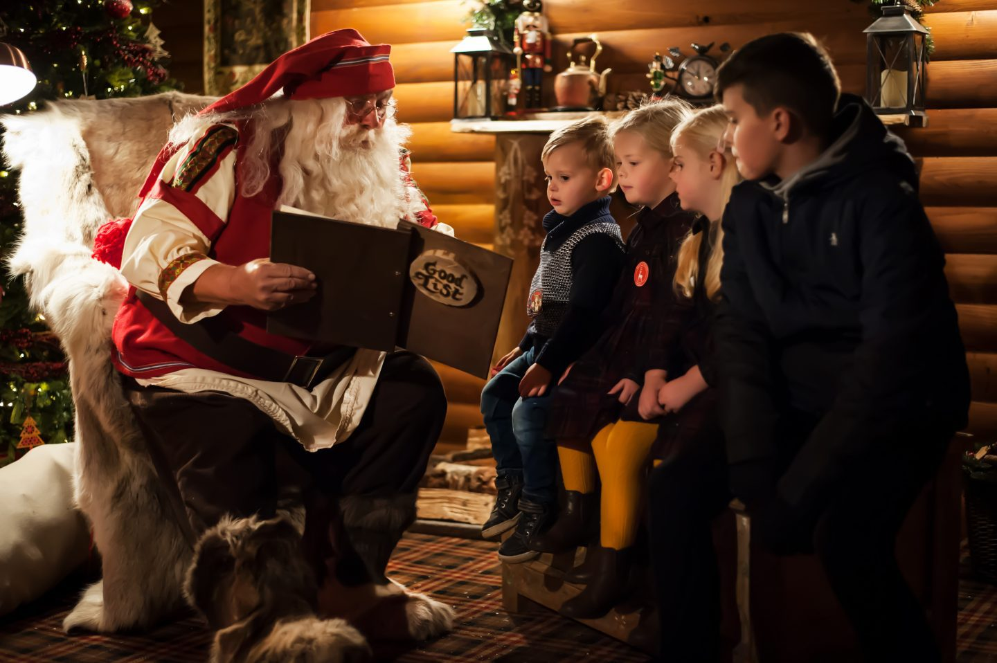 kids-with-father-christmas
