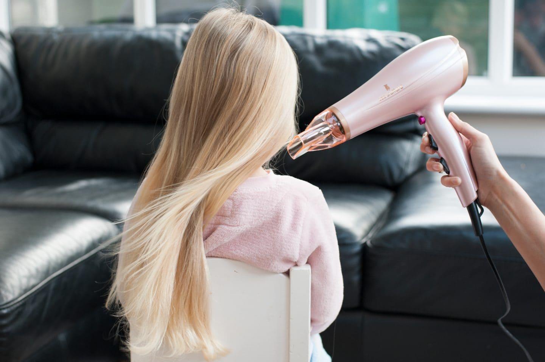 eva-hairdryer1