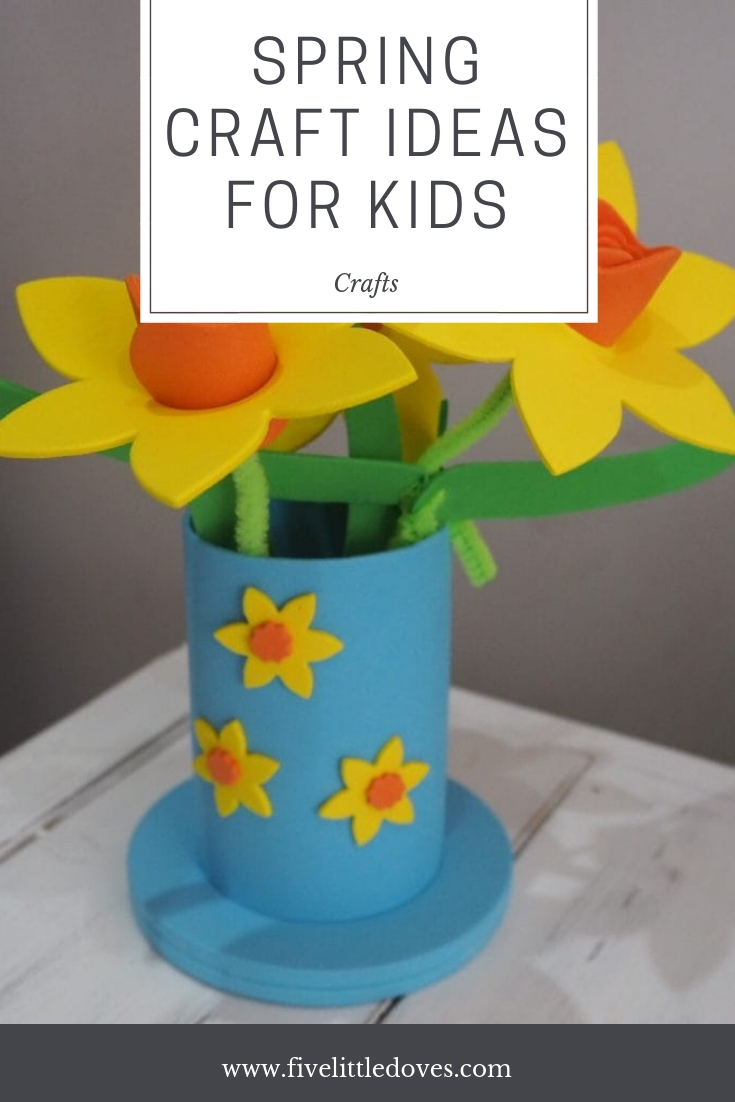 Spring Craft Ideas For Kids | Ideas for kids crafts to do this summer. Not much mess and quick to clean up, these ideas for simple crafts will occupy kids on rainy days and leave you with cute items to decorate your home with this spring www.fivelittledoves.com