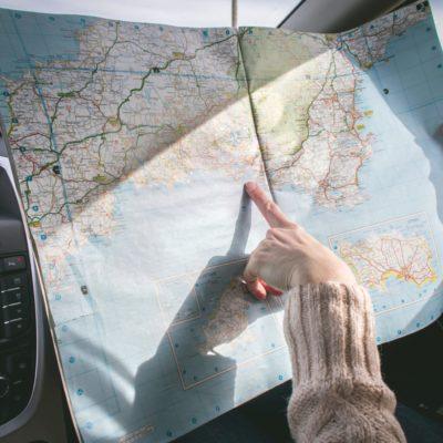 Making long car journeys with children easier